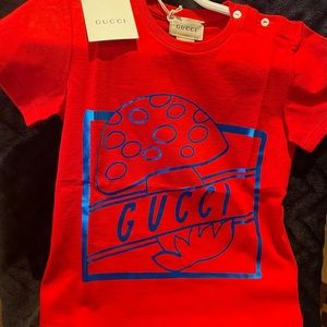 GUCCI infants. red cotton T-shirt. Made in Italy